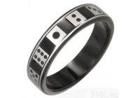 Ocelový prsten se symboly kostky