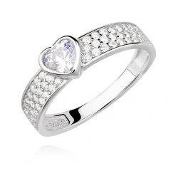 Stříbrný prsten se zirkonovým srdcem