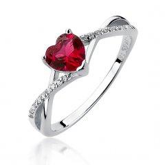 Jemný stříbrný prsten - srdce červené