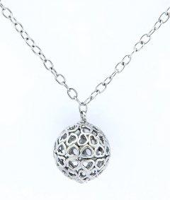 Stříbrný náhrdelník kulička ze srdíček