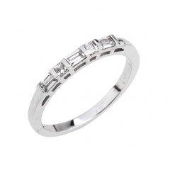 Jemný stříbrný prsten s hranatými zirkony