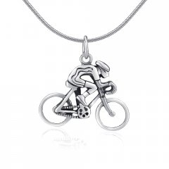 Stříbrný přívěsek - cyklista