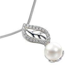 Stříbrný přívěsek s bílou perlou a křišťály