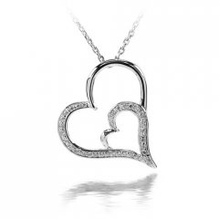 Stříbrný přívěsek - srdce s vloženým srdíčkem
