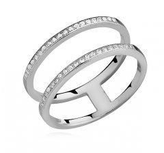 Stříbrný prsten - dva spojené kruhy se zirkony